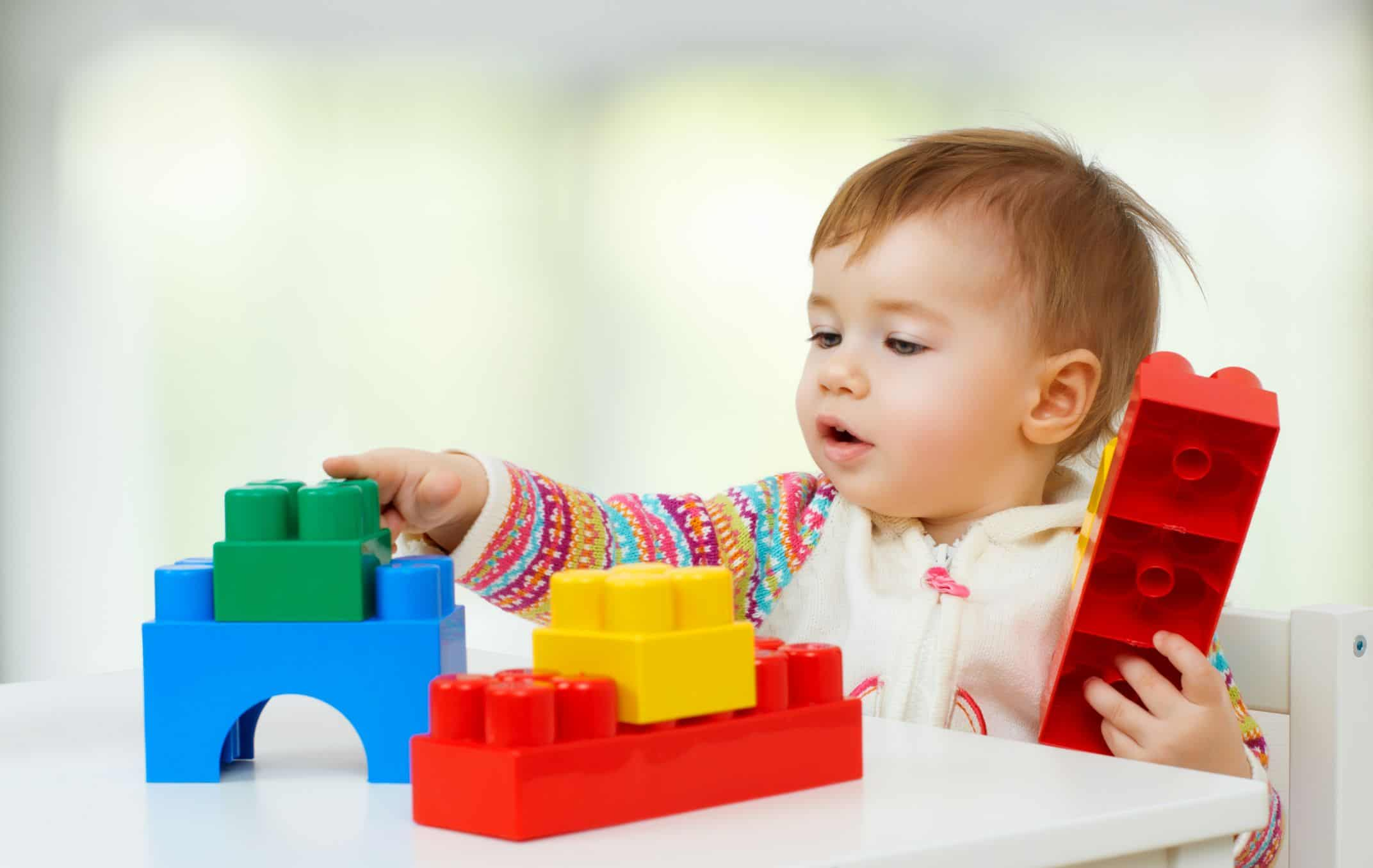 Baby activity ideas 0 to 18 months old to boost developmental skills