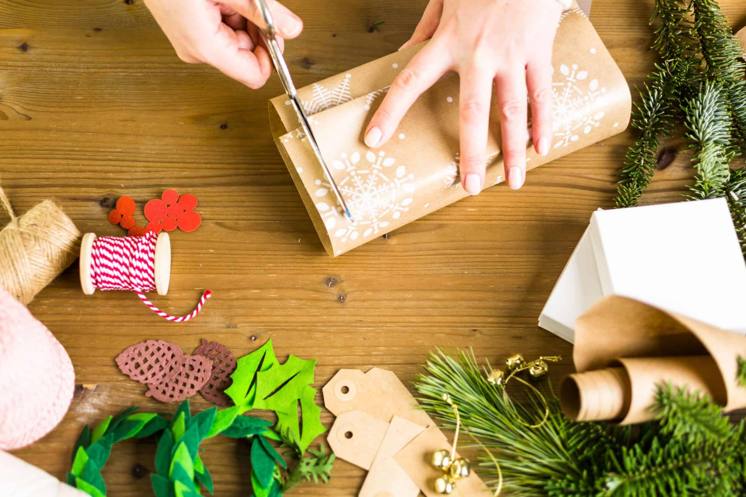 40 Unique DIY Christmas Gift Wrapping Ideas {2020}